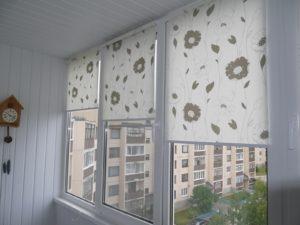 Установка рулонных штор на пластиковые окна в Ставрополе